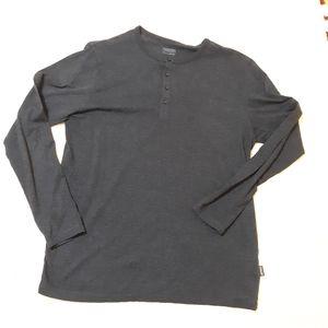 """Patagonia """"worn wear"""" Henley Large   LNC"""